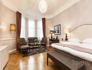 Интерьер номера в Elite Hotel Savoy