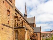 Стены цекрви Св.Петра