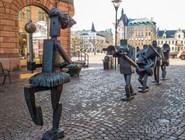 """Современная городская скульптура """"Optimist Orchestra"""""""
