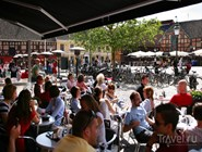 Посетители летних кафе  Lilla Torg