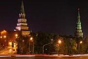 Боровицкие ворота Кремля. Фото: ostcomp.chat.ru