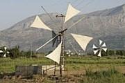 Ветряные мельницы на Крите. Фото: Travel.ru