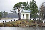 Храм Нептуна в парке Монрепо. Фото: Ю. Белинский