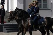 Церемония развода пеших и конных караулов на Соборной площади. Фото: Lenta14.cust.ramtel.ru