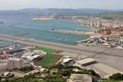 Взлетно-посадочная полоса аэропорта Гибралтар // Airliners.net