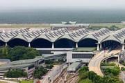 Главный терминал аэропорта Куала-Лумпура с железнодорожной станцией в цокольном этаже // Airliners.net