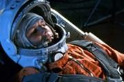 Ю. Гагарин - первый космонавт планеты. // peterlife.ru