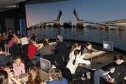 """Вместо сцены - панорамный цилиндрический экран. // """"Вечерняя Москва"""""""