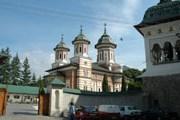 Отдых в монастыре - очень популярный в Румынии способ проводить праздники. // jiviekluchi.ru
