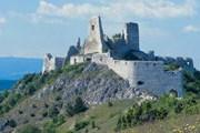 Туристы смогут увидеть словацкие замки. // sacr.sk