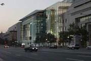 Newseum - один из самых дорогих музейных проектов. // Lenta.ru/polshek.com