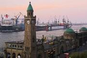 Порт - одна из главных достопримечательностей Гамбурга. // tatsachen-ueber-deutschland.de