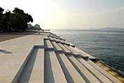 Эти ступени на берегу моря издают звуки. // oddmusic.com