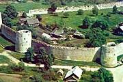 Крепость в Изборске // caravella.psc.ru