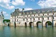 Франция по-прежнему привлекает туристов. // a-castle-for-rent.com