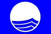"""Список итальянских пляжей, удостоенных """"Голубых флагов"""" качества, значительно расширился. // Google.com"""