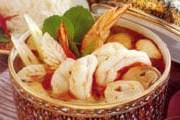Tom Yam Gung - креветочный суп с грибами и лимонной травой. // simply-thai.com