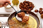 Блюда из каштанов предлагает Париж. // GettyImages