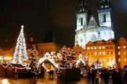 Прага традиционно привлекает туристов на рождественские праздники. // radio.cz