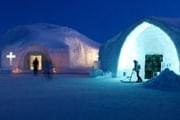 Ледяная церковь популярна у туристов. // GettyImages