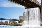 Один из водопадов будет низвергаться с Бруклинского моста. // gizmodo.com
