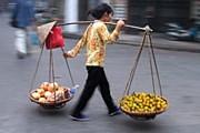 По мнению властей, торговцы отпугивают от Ханоя туристов. // indostan.ru