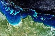 Так Большой Барьерный риф выглядит из космоса. // sciencedaily.com