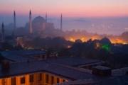 Российские туристы, как правило, посещают Стамбул. // GettyImages