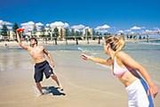 На пляже Adelaide Glenelg // touristaustralia.com.au