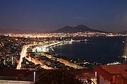 Неаполь хочет снова стать привлекательным для туристов. // farm3.static.flickr.com