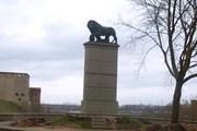 Шведский лев - популярная достопримечательность Нарвы. // Travel.ru