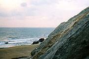 На побережье Каспийского моря строится все больше курортов. // nature.aznet.org