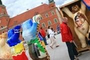 Медведи расположились вокруг колонны Зигмунта. // gazeta.pl