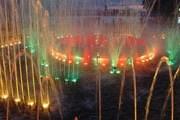 Музыкальный фонтан привлекает горожан и туристов. // provodnik.ru