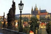 Прага остается самым популярным среди туристов городом. // hep2.fzu.cz