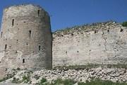 Площадь у стен крепости станет пешеходной охранной зоной. // manako.ru