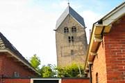 Падающая колокольня в Голландии. // abc.net.au
