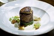 Одно из изысканных блюд шеф-повара Найджела Гудвина // fawsleyhall.com