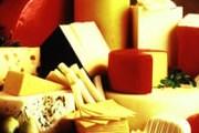 Швейцарский сыр в рекомендациях не нуждается. // GettyImages