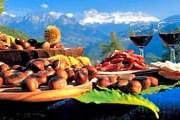 Гостей угощают вином и каштанами. // focus.de