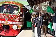 В Кашмире торжественно открыли новую железнодорожную линию. // timesonline.co.uk