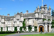 Замок Балморал // optics.rochester.edu