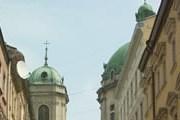 Также будут отреставрированы памятники. // А.Баринова