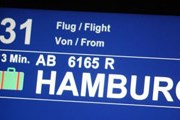 Табло с указанием времени, оставшимся до начала выдачи багажа // stuttgart-airport.com