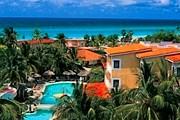 Отель расположен на побережье. // hotelesoasis.com