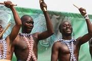 Фестиваль Kwita Izina посвящен новорожденным гориллам. // discovery.blogs.com