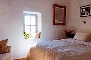 Отель оформлен в деревенском стиле. // les-sardines.com