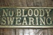 Во многих публичных местах не приветствуется сквернословие. // monarchgrove.com