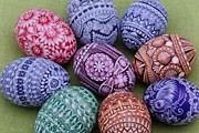 На выставке можно увидеть фотографии пасхальных яиц, расписанных в разных техниках. // muzeumslaskie.pl