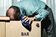 60% мужчин предпочли бы найти в мини-баре пиво. // GettyImages